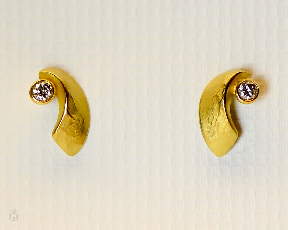 Ohrstecker »Arc« 18 Kt Gelbgold, 2 Brillanten